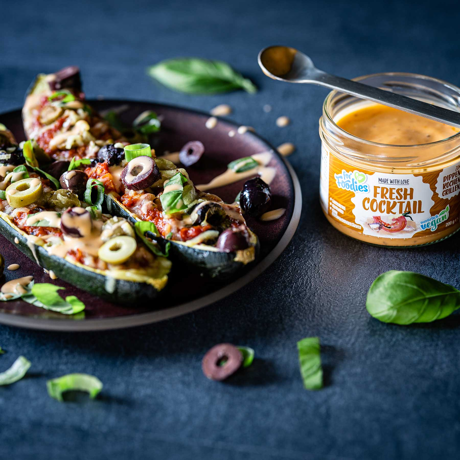 Gefüllte Zucchini nach mediterraner Art